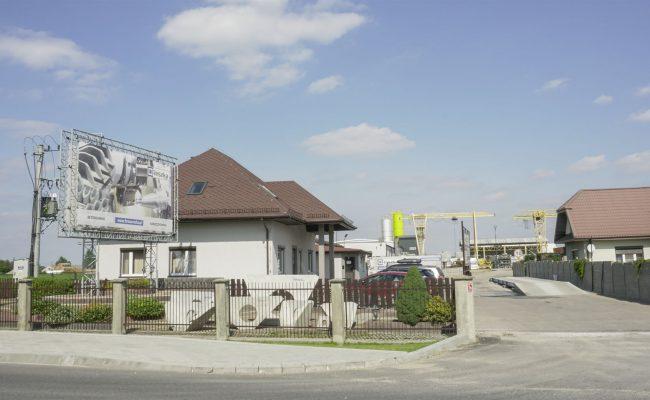 firma-reszka-widok-od-strony-ulicy