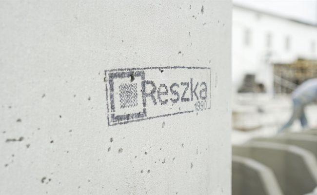 logo-reszka-na-prefabrykacie